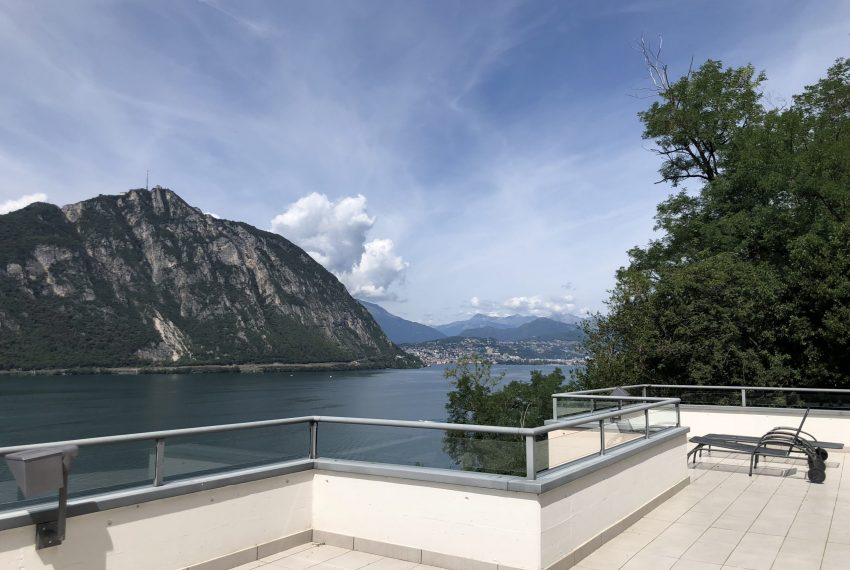Penthouse with lake view Lugano